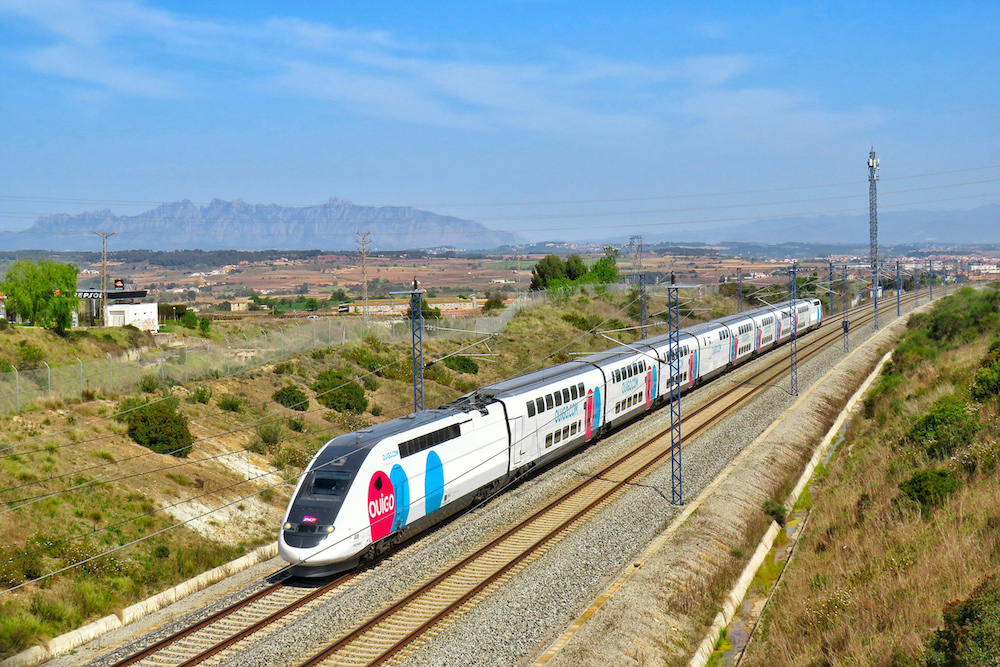 OUIGO Spain chooses Moment to deploy a connected portal on board its trains